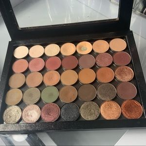 Z Palette Filled With Shadows
